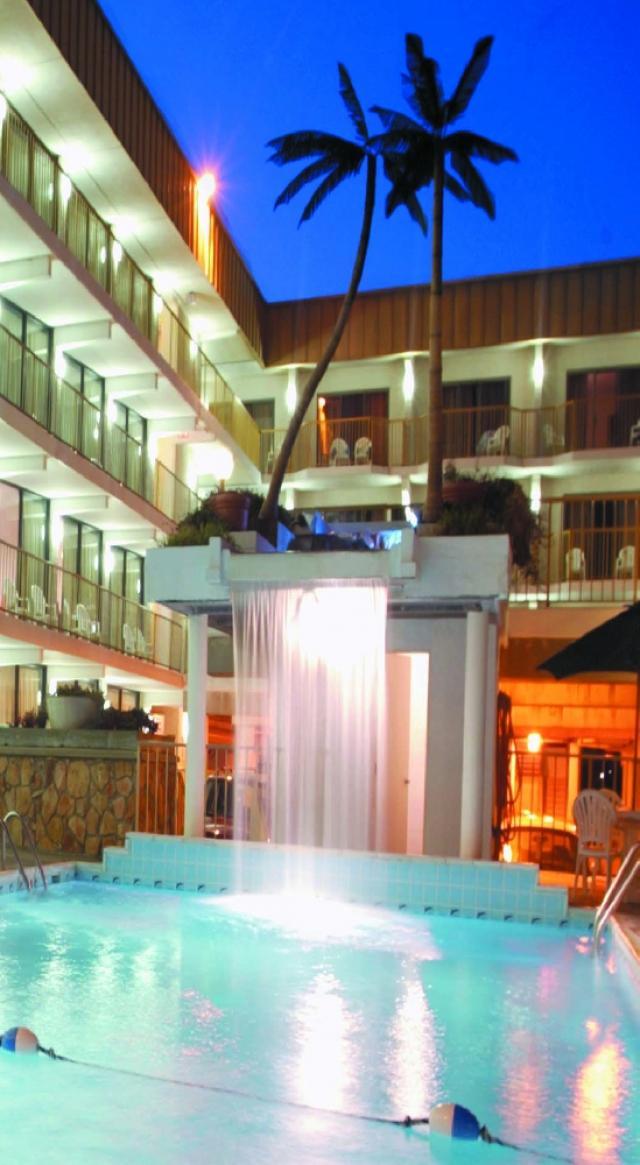 Pool/Waterfall
