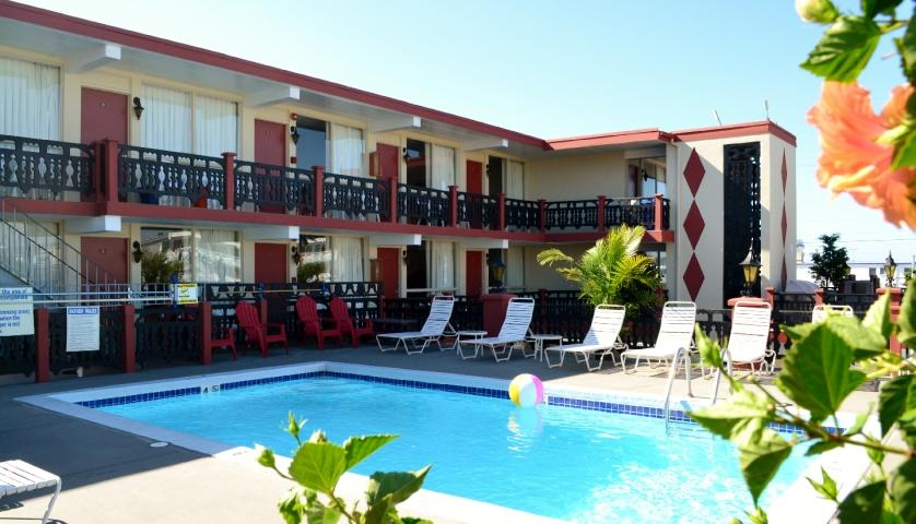 Pool at the Casa del Sole Motel in Wildwood