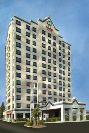 Doubletree Jersey City Hotel Exterior