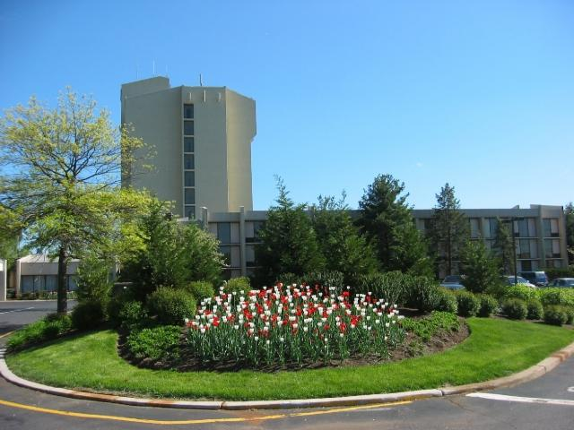 Welcome to the Crowne Plaza Somerset-Bridgewater.