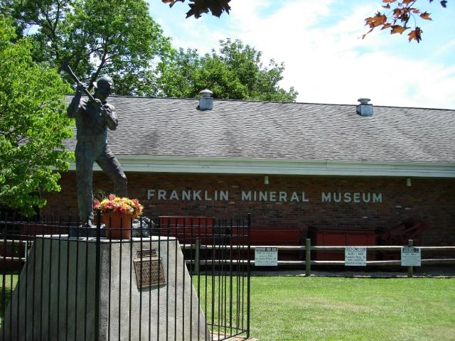 Bronze miner statue at the entrance to the Franklin Mineral Museum