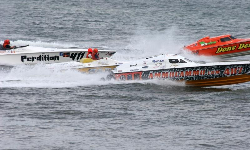 Experience the excitement of offshore powerboat racing!