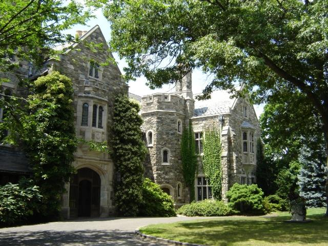 Skylands Manor tours at NJBG are offered one Sunday each month.